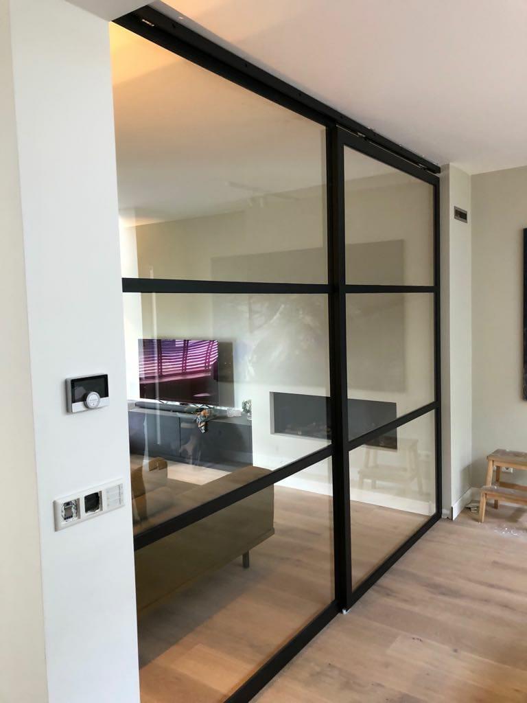 Stalen deuren met glas op maat